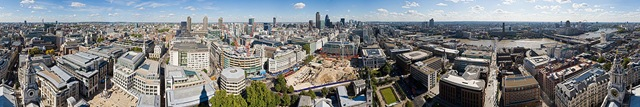 1400px-London_360_from_St_Paul's_Cathedral_-_Sept_2007