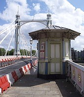 170px-Albert_Bridge_tollhouse